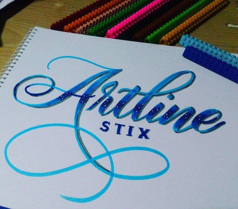artline-stix-brush-lettersnissobtoothless-ok-768x676